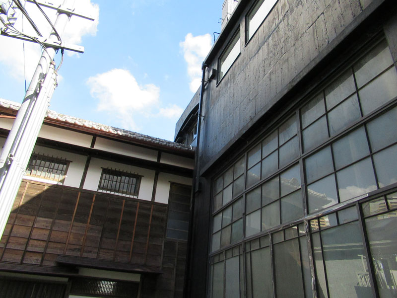 スタジオよもだ → 台東区立朝倉彫塑館 日暮里