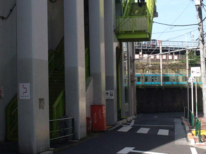 スタジオよもだ → イナムラショウゾウ 上野桜木