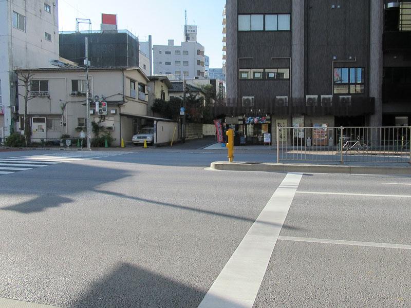 スタジオよもだ → 七倉稲荷神社 鶯谷